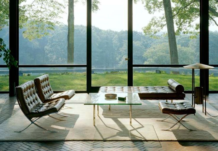 the glas house BY Philip Johnson 1939  - Iconic-
