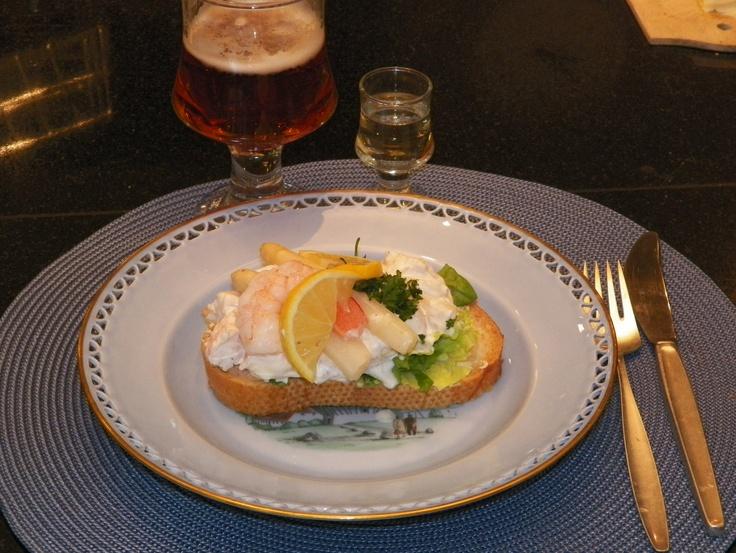 #Smørrebrød #Danish Open Sandwich Shrimp & Asparagus Sandwich for lunch and supper.