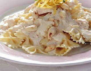 Φιογκάκια με σάλτσα λεμονιού και αμύγδαλα!