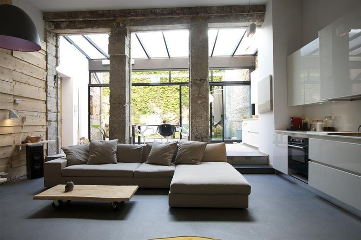 Pièces à vivre de luxe  Une pièce à vivre dont la déco est ...