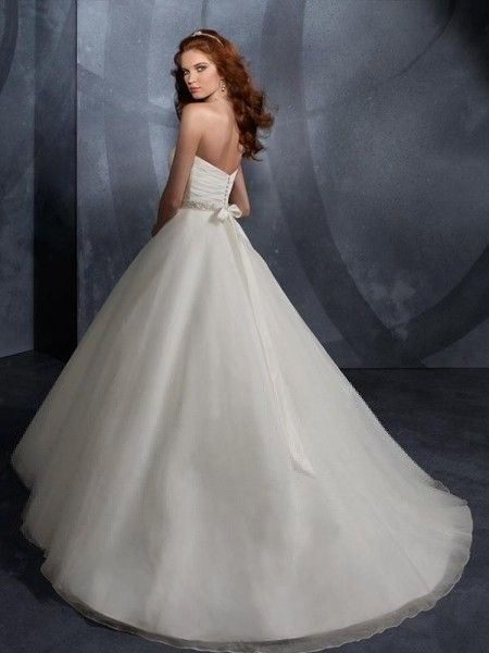 Ball Gown Sweetheart Ruffles Sleeveless Sweep/Brush Train Organza Wedding Dresses For Brides