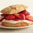 Almond-Oats Strawberry Shortcakes