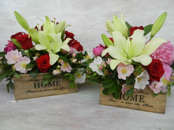 #lilies #red #roses #savage #pink #roses #wood #box; #crini #bujori #trandafiri #rosu #roz #lemn #cutie