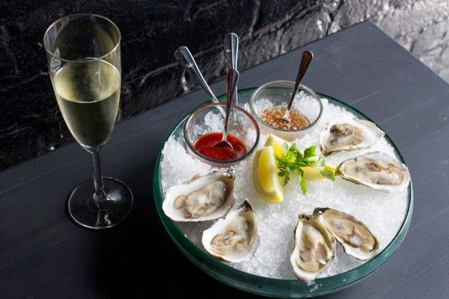 Virgola Wine Bar - NYC - OYSTERS AND PROSECCO