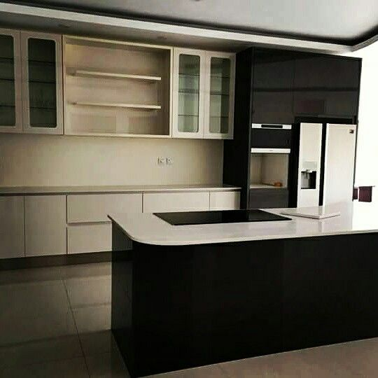 Highgloss kitchens done with quartz tops