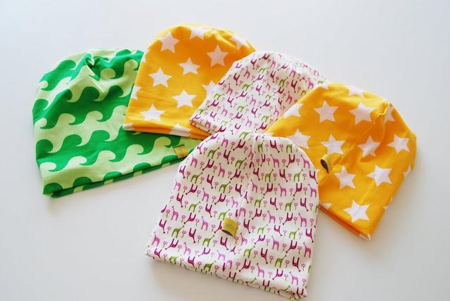Tutorial på lue (søm) på norsk.  Tutorial on how to sew a beanie hat, in Norwegian