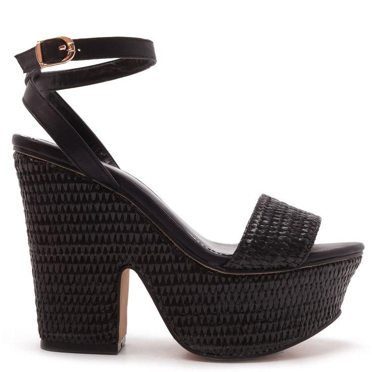 Black straw sandal