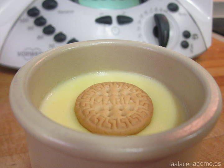 Receta de natillas con thermomix en cuestión de minutos. Colocar todos los ingredientes en el vaso, programar y listo.