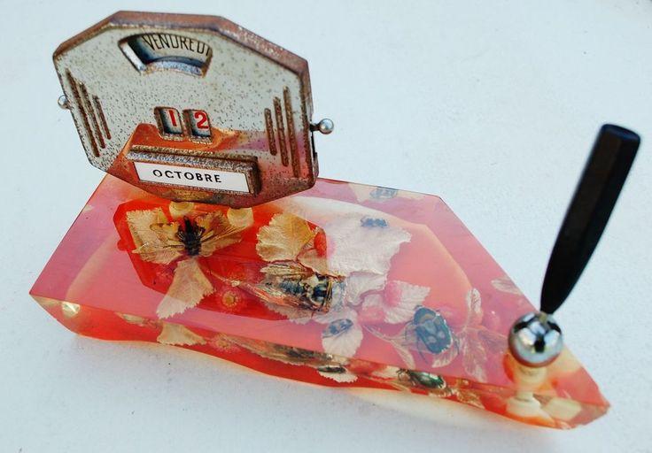 calendrier perpetuel de bureau 1970 inclusion avec porte stylo | Art, antiquités, Objets du XXe, récents | eBay!
