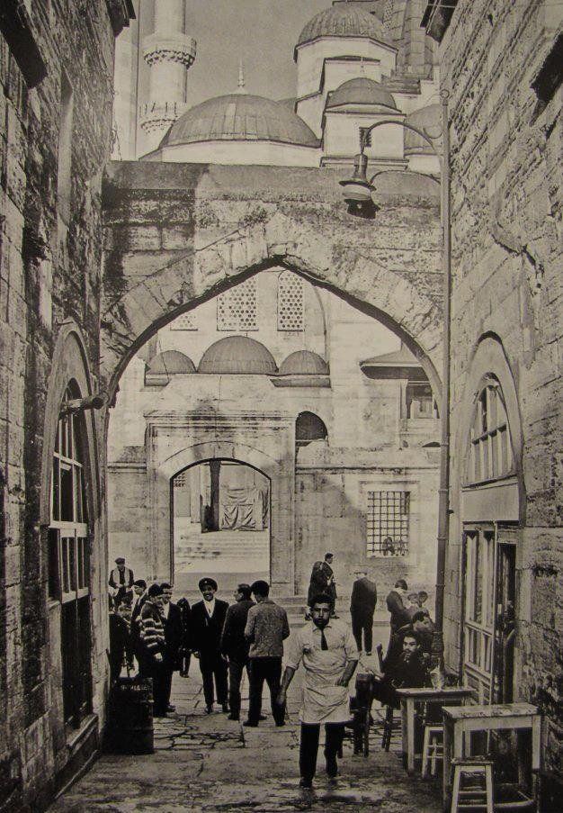 İstanbul--