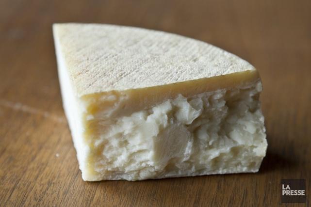 La chèvrerie Fruit d'une passion, qui nous a donné l'excellente Tomme des joyeux fromagers, vient de mettre au monde un petit frère d'inspiration italienne, le Parle-moi z'en.