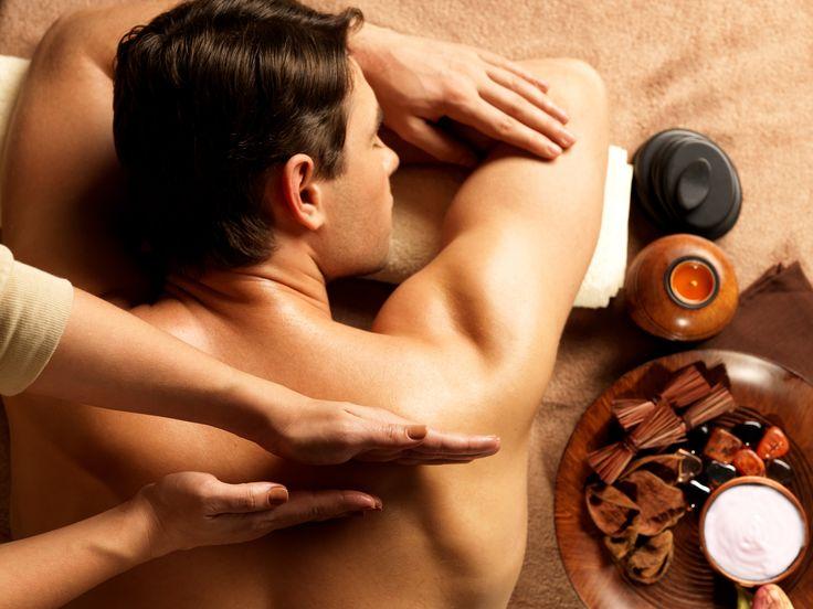 Массируя кожу мы воздействуем на все её слои, на кожные сосуды и мышцы, на потовые и сальные железы, а также оказываем влияние на центральную нервную систему, с которой кожа неразрывно связана.