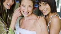 Lists of Items That a Personal Attendant Brings for a Wedding | eHow