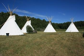 Blackfoot Crossing Historical Park-Buffalo Jump Tipi Village