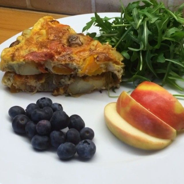 """""""Try my #leanin15 Spanish omelette with chorizo & potato. A Perfect for a post workout refuel breakfast which also tastes incredible cold so you can keep…"""""""