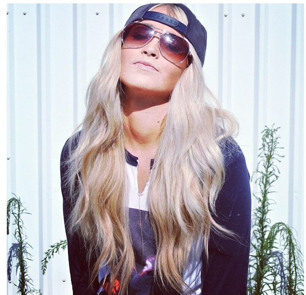 Cara Loren is my hair and style idol. Holy cow she's perfect