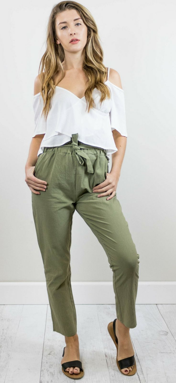 Best 25+ Chinos women ideas on Pinterest | Chino outfit women Camel pants and Beige pants outfit