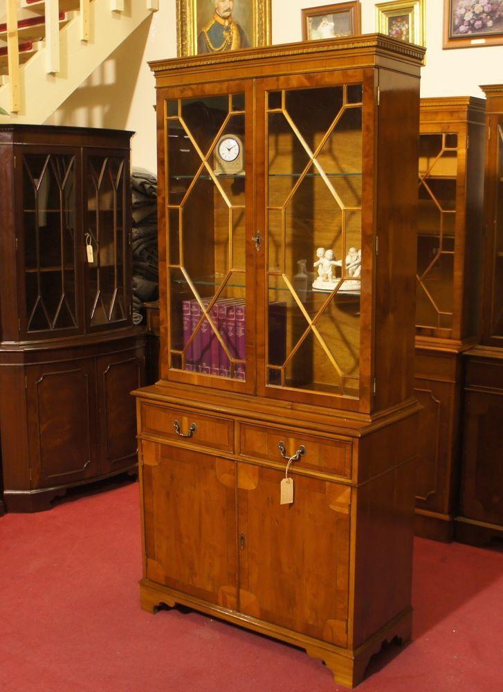 Englische Möbel Regency Bücherschrank Bookcase 2 Türig Eibe Glaseinlegeboden