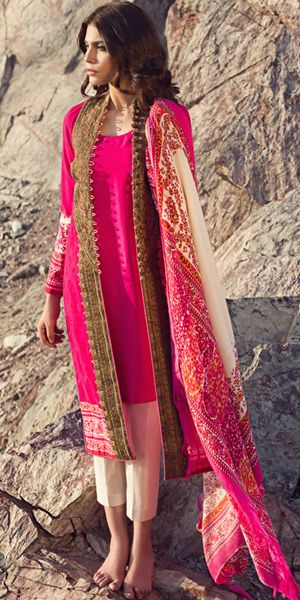 Sana Safinaz off-white and dark pink adorable winter in woven suit, with a printed pashmina shawl, having a embroidery winter in woven fabric with printed nakshi work.