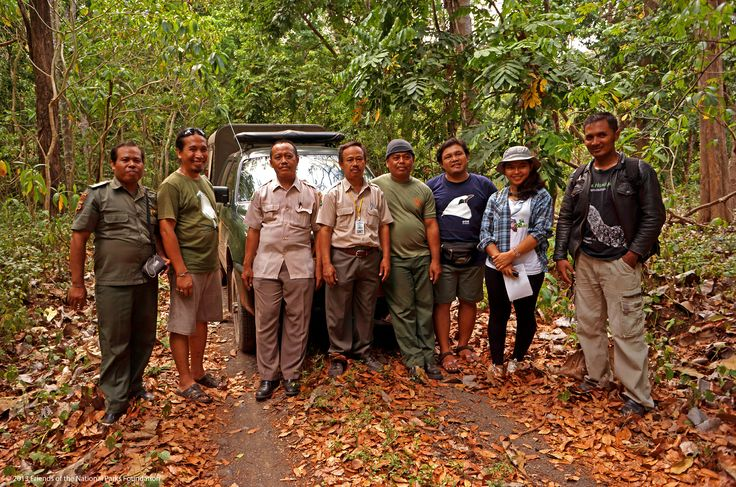 FNPF's group photos with park rangers and Department of Forestry's Natural Resources Conservation Agency (BKSDA) Bali staffs