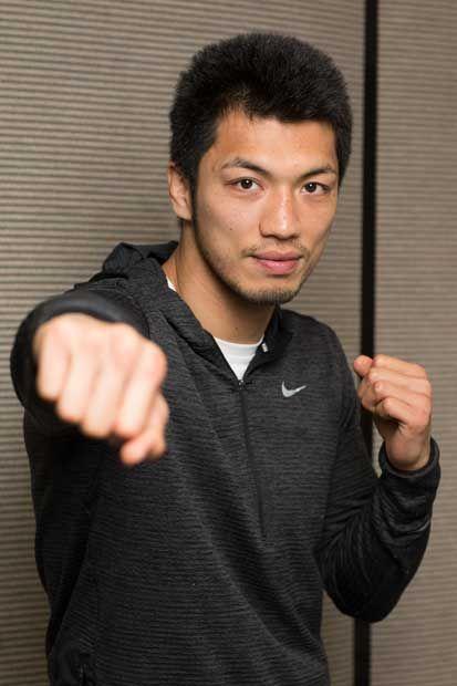 村田諒太(むらた・りょうた)/1986年、奈良市生まれ。プロボクサー。南京都高(現京都廣学館高)時代に高校5冠。2004年、東洋大に進学、全日本選手権で優勝。12年ロンドン五輪の男子ミドル級で金メダル。同年、紫綬褒章を受章。13年8月にプロデビューし、12戦全勝(9KO)