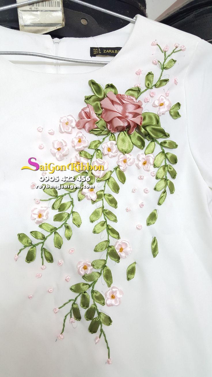 Ribbon embroidery bedspread designs - Ribbon Work Silk Ribbon Ribbon Embroidery Tape Embroidery Embroidery Flowers