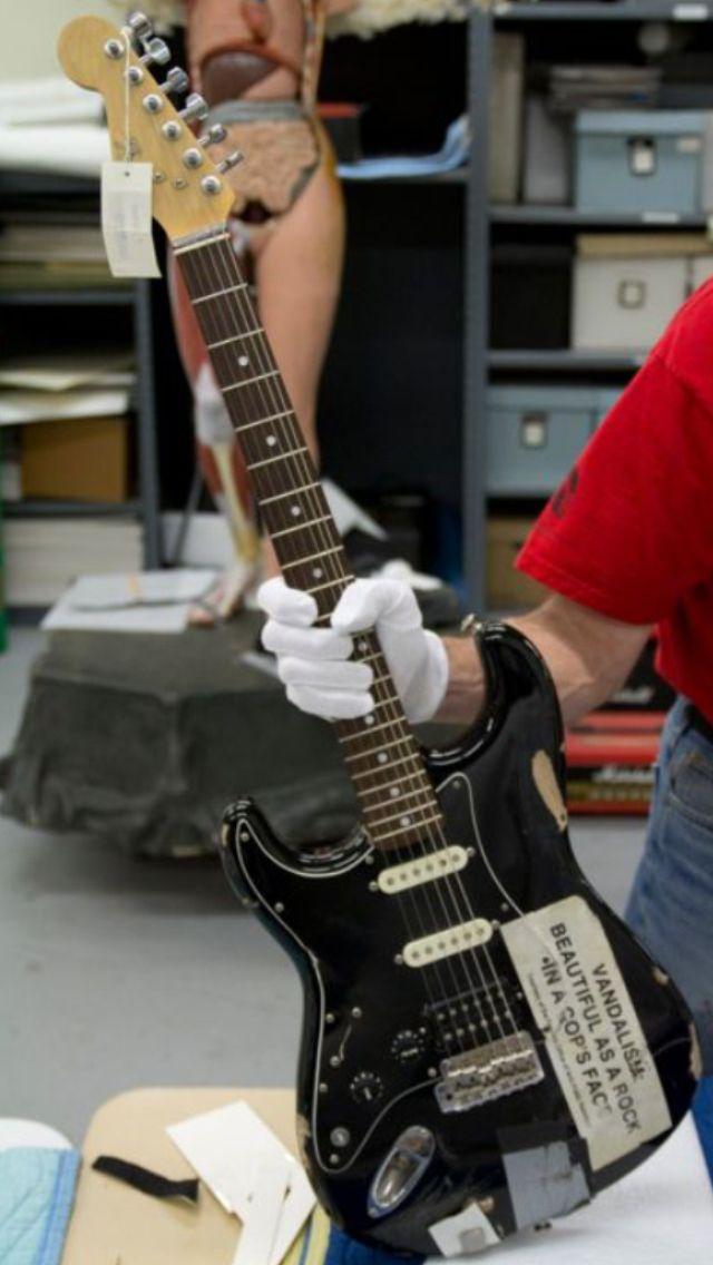 Kurt Cobain Fender Vandalism Strat Guitar. Nirvana.