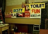 Dusty Signs: Um estúdio especializado em placas feitas à mão