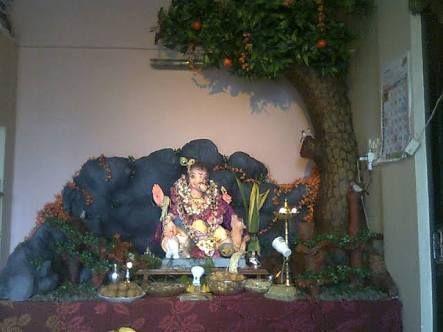 Ganesh ki jyoti se noor milta hai sabke dilon ko surur milta hai jobhi jaata hai Ganesh ke dwaar kuch na kuch zarrur milta hai JAI GANESH!