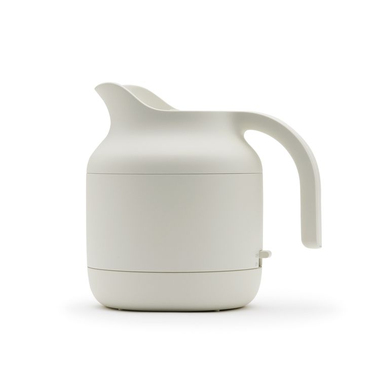 Electric Kettle from Muji. Industrial designer Naoto Fukasawa based the electric kettle on his thinking around 'Super Normal' design.