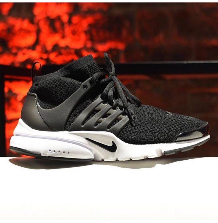 Nike Sportswear Roshe One Trainers Black : Da8962