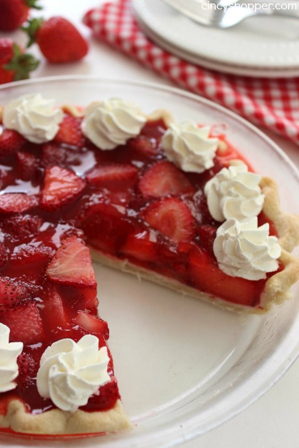 Easy Strawberry Pie- Super Simple Frisch's or Shoney's Strawberry Pie. Oh so YUMMY! Great summer dessert.