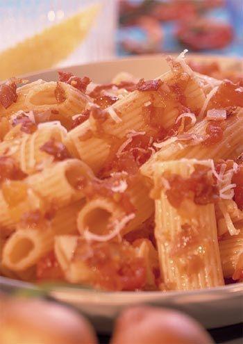 rigatoni, molho matriciana, massa, italiana, receita