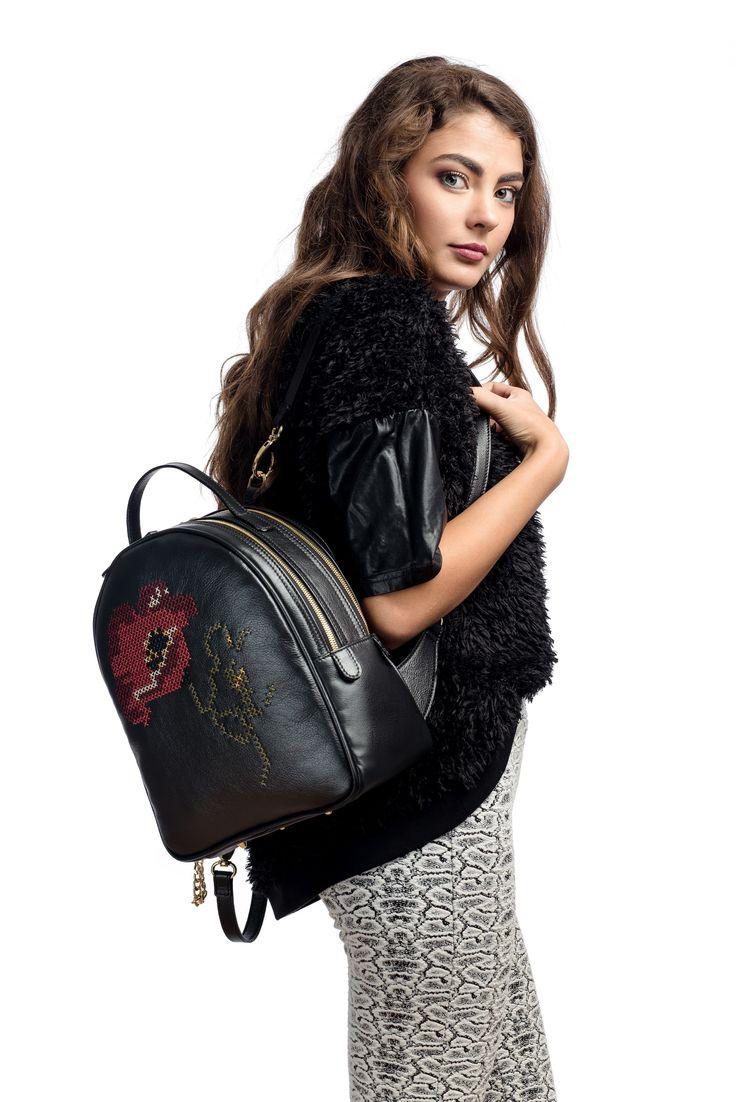 """""""Maiestrie Artizanala"""" - genti si accesorii din piele naturala brodate manual. Alege rucsacul Anastasia de la #RENA!"""