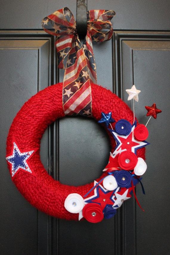4th of july yarn wreath