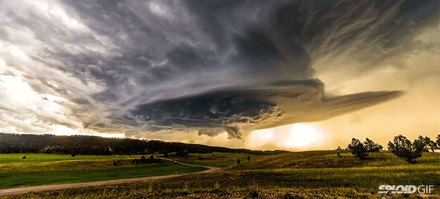 Epic time lapse video of the sky reveals its staggering beauty