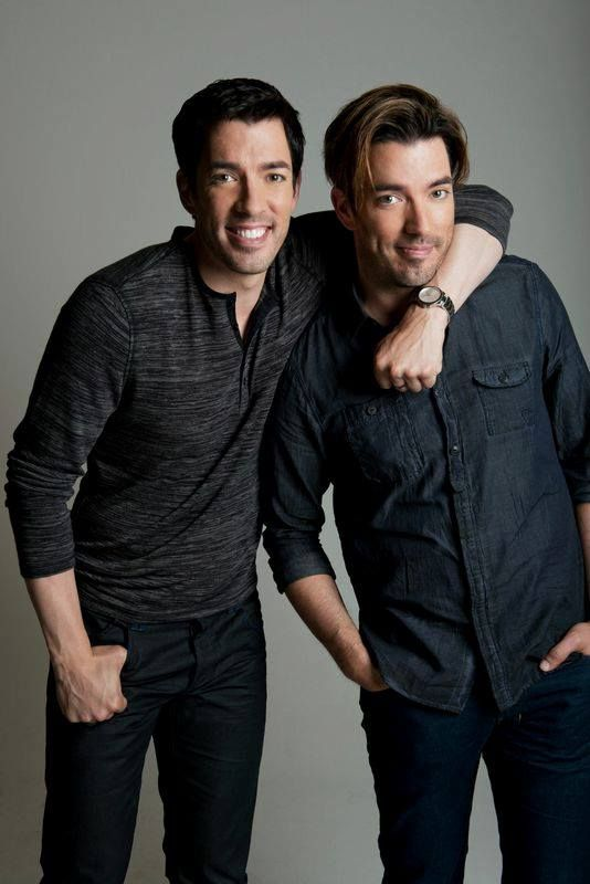 Doing a photo shoot with @mrsilverscott - are you liking #CasualDrew?