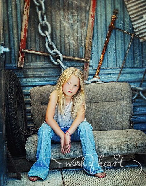 PhotographyGirls Jeans Photos, Little Girls, Kids Photography Girls, Kids Poses, Kids Photos, Photography Poses, Kid Photography, Grunge Look, Children Poses