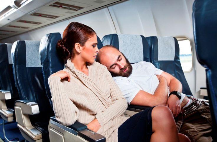 Lungo viaggio in aereo? Ecco come sopravvivere!