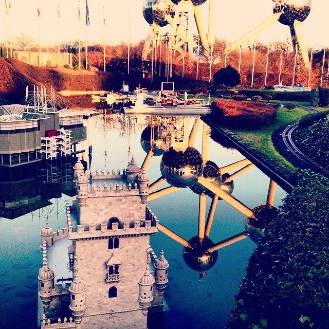 The #Atomium & #mini-europe #reflection #atomium #bruxelles #brussels #brussel #expo #exposition #exhibition #tentoonstelling #musee #museum #musea #visite #visit #bezoek #tourism #tourisme #toerism #attraction #attractie #atomium #architecture #architectuur #top #art #kunst #landmark #symbol #symbole #symbool #panorama #minieurope #mini #europe #europ #oceade