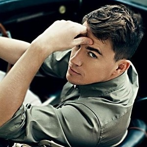 Channing Tatum - I never watched Magic Mike, but I did watch 'She's the man'.. My boyfriend told me who was Channing Tatum and I thought: Sooo.. That's the guy every girl adores so much @ Pinterest. (Ok. I feel quite stupid right now because I didn't know he played in She's the Man after seeing him so many times @ Pinterest.. :-#)