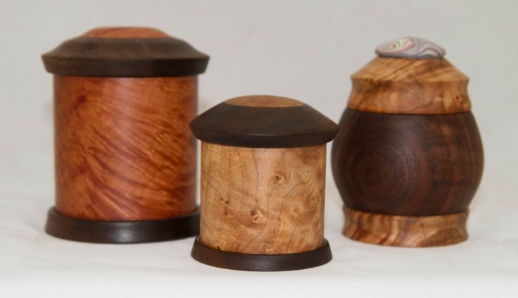 Turned Maple and Walnut Boxes Video Tutorial. Woodshop with Carl Jacobson. #woodturning #lathe #turnedboxes #boxmaking #woodworking https://youtu.be/yTXfOsEadxI #DIYboxes