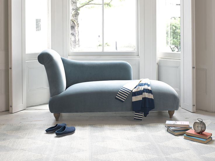 When it comes to pieces of ridiculously beautiful furniture, the comfy Brontë chaise longue takes the cake. Upholstered here in Lagoon clever velvet and available in over 120 gorgeous fabrics. The best damn clothes horse you'll ever own. Place it in your bedroom, dressing room or living space.