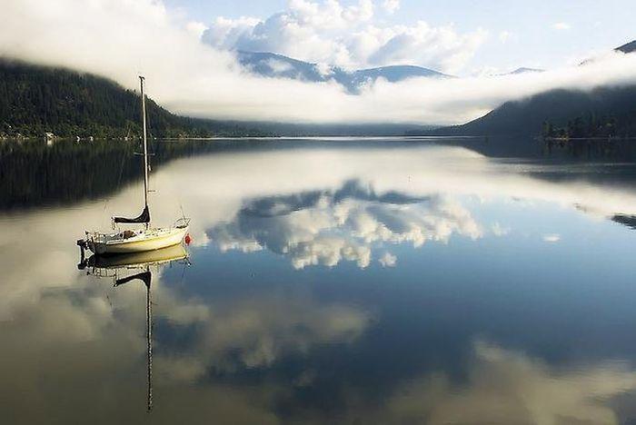 Шикарные отражения в воде (36 фото)