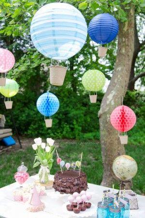Heteluchtballonnen gemaakt van papieren lantaarns. Zo'n mooi idee!  bv. voor een feestje