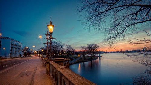 Die Außenalster zu ihrer schönsten Stunde   pixelpiraten.net #Hamburg #EuropaPassage #EuropaPassageHamburg