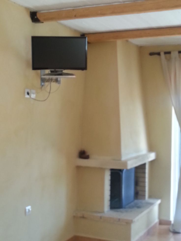 Hydra studio fireplace & led tv
