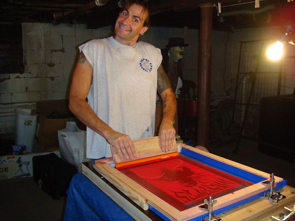 The stuff we use, a master list.  More links than you can shake a mouse at.    Our best sources for silk screen supplies. We buy almost everything online.