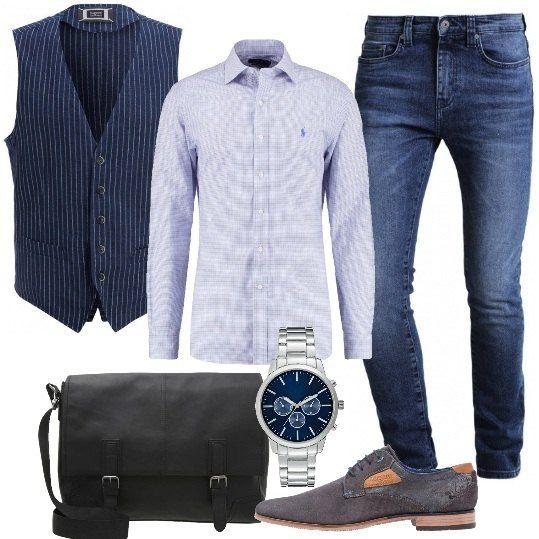 Per un uomo che ogni giorno ha mille cose da fare ho scelto questo look con jeans e camicia slim fit, gilet marine con fantasia a righe, stringate dark grey, ventiquattrore black e orologio con movimento al quarzo. Grintoso ed affascinante.