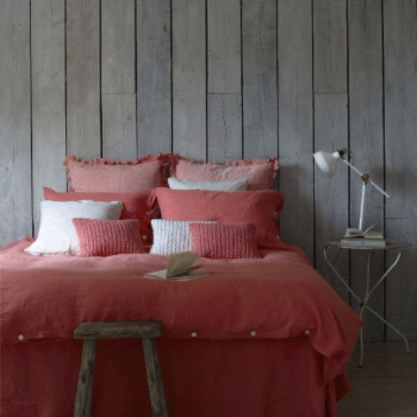 Lisbon Coral Super King Duvet Cover ($215) ❤ liked on Polyvore featuring home, bed & bath, bedding, duvet covers, winter bedding, coral pillow cases, textured bedding, coral duvet and textured duvet
